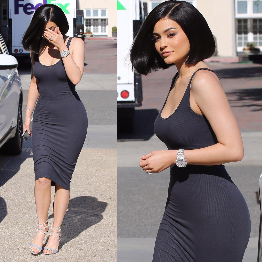 Kylie Jenner Looks Hot in Black Dress
