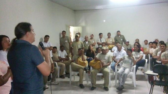 CONTATO DIRETO: Prefeito Fábio Gentil(PRB), se reúne com funcionários do CCZ e anuncia melhorias para categoria