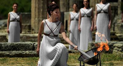 Voltar às raízes: gregos recomeçam a rezar aos deuses antigos