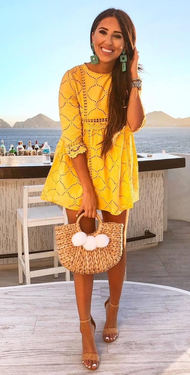 beautiful summer outfit idea / yellow dress + bag + heels