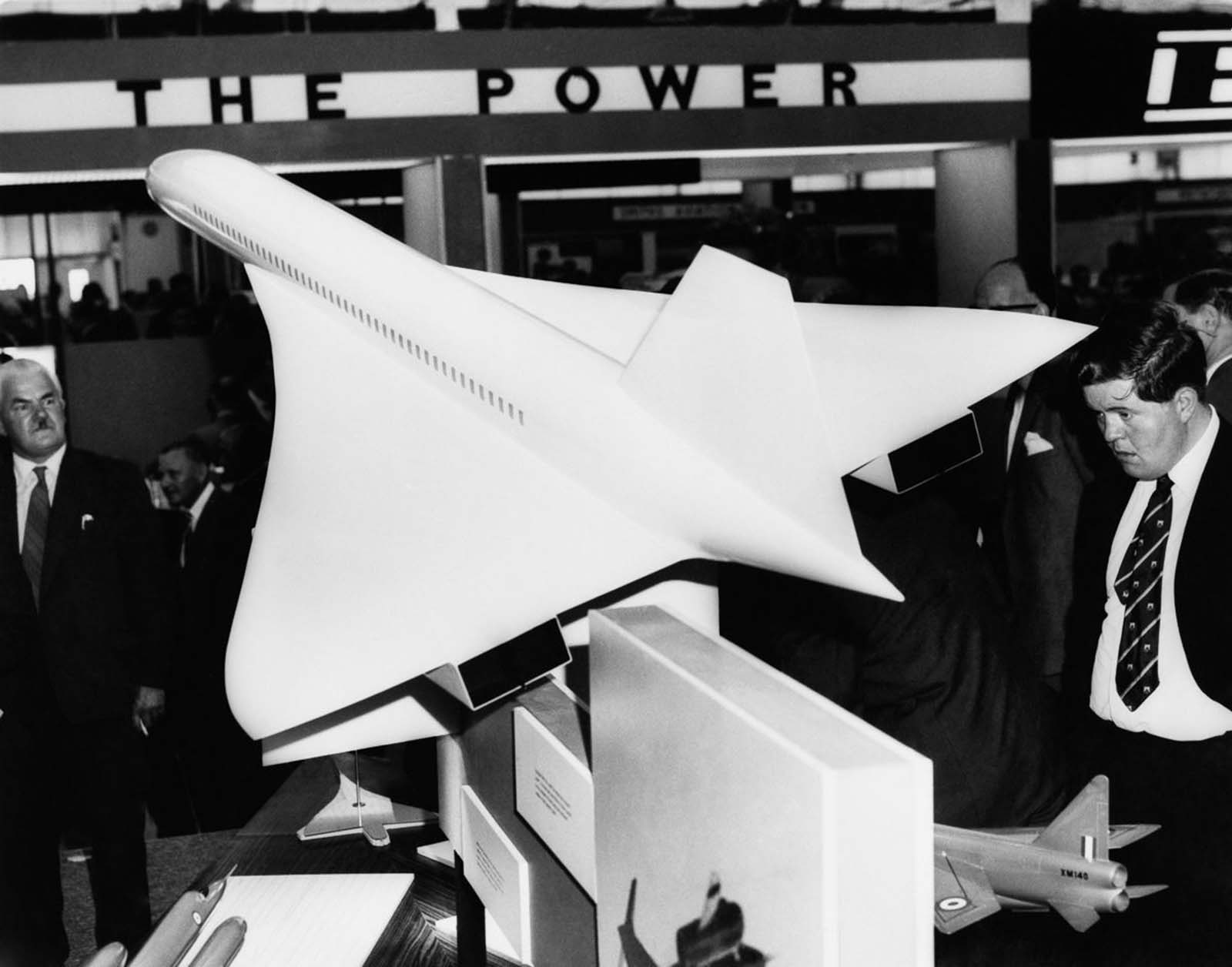 A Concorde model at the Farnborough Air Show Exhibition in England. 1962.