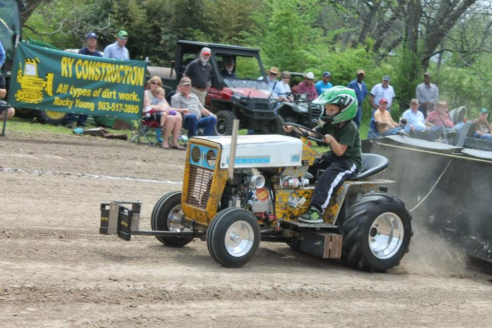 lsgtpa tractor pulling delta county fair tractor pull results. Black Bedroom Furniture Sets. Home Design Ideas