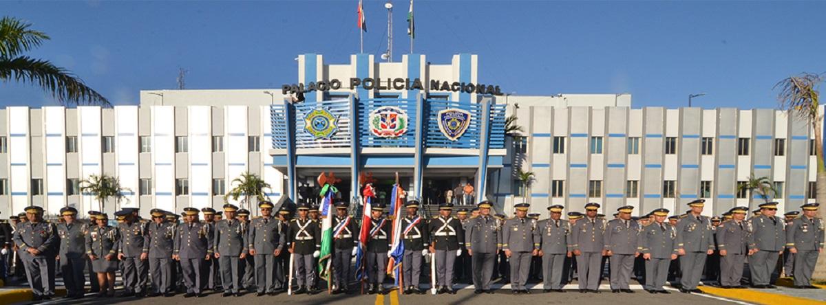 Policía Nacional dominicana con 20 generales