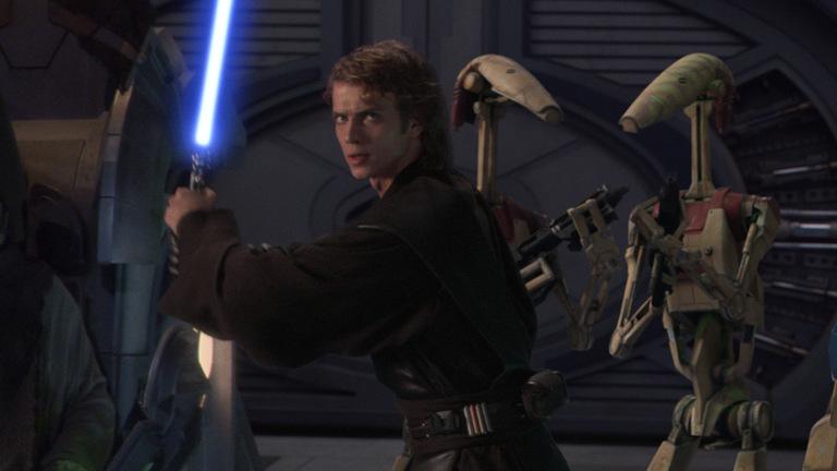 El actor de Anakin Skywalker nos cuenta una divertida anécdota sobre las escenas de sable láser
