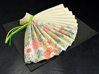 折り紙の扇子