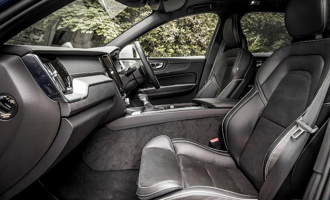 Volvo XC60 front interior