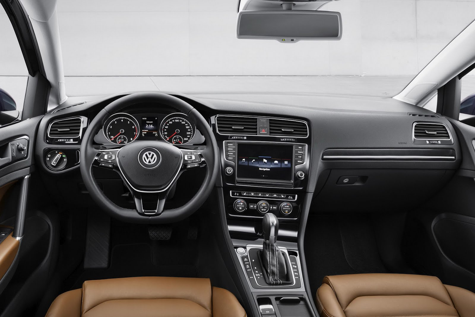 in4ride 2013 volkswagen golf 7 breaks loose. Black Bedroom Furniture Sets. Home Design Ideas