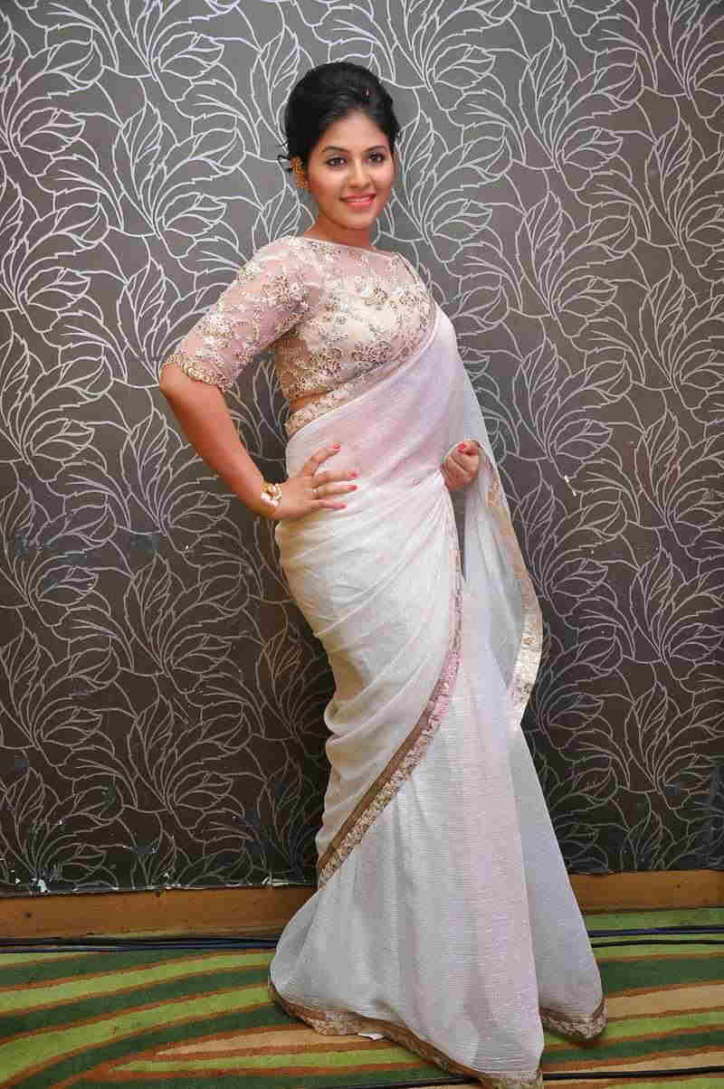 Beautiful Tamil Girl Anjali Stills In Transparent White Saree