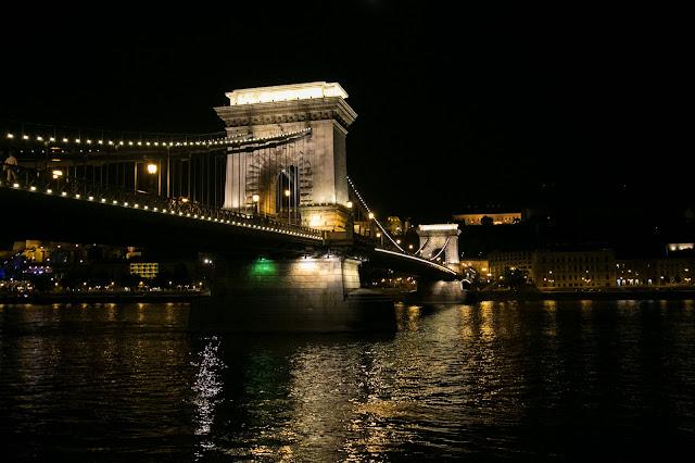 Budapest di notte-Ponte delle catene