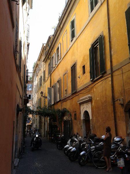 9 włoskich produktów, które musisz spróbować przynajmniej raz w życiu + przepis na penne z szynką parmeńską