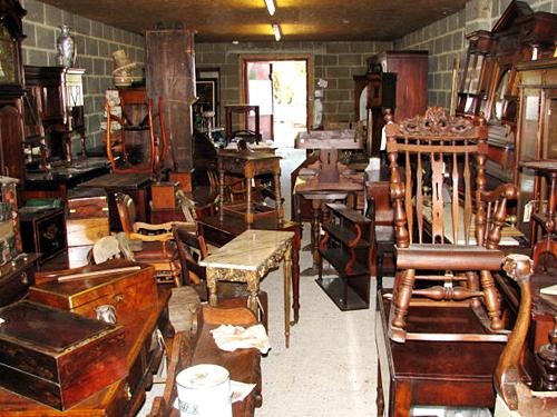 Tips Membeli Mebel Antik Untuk Perabotan Rumah