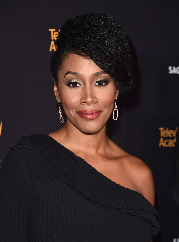 Afrolistas And The City One To Watch Actress Simone Missick