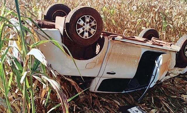 Campina da Lagoa: Bandidos assaltam sítio roubam caminhonete e capotam durante a fuga