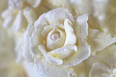 Rose aus Buttercreme spritzen