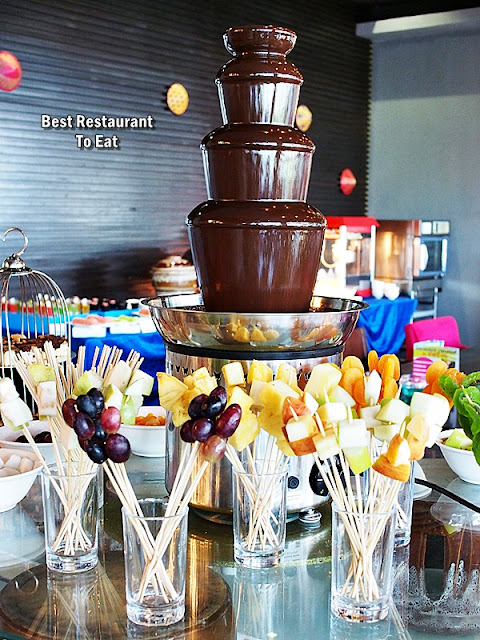 Weekend Hi-Tea Chocolate Fountain