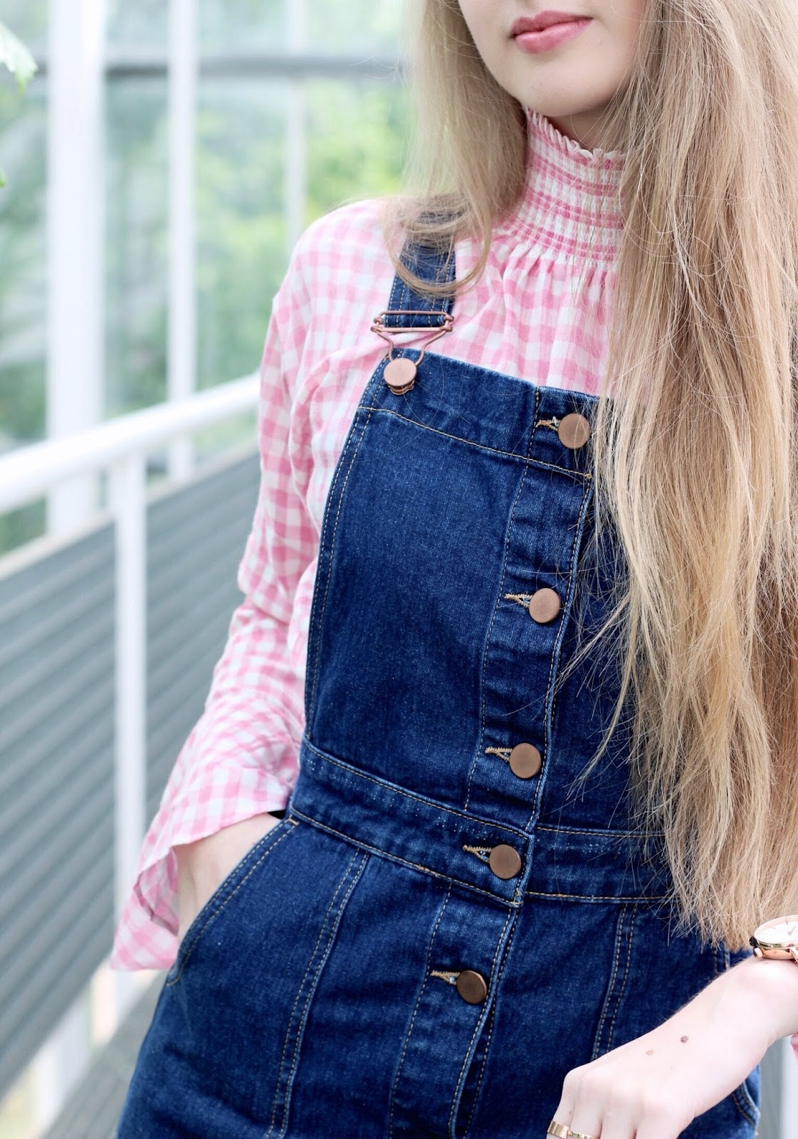 Ways to style denim pinafore dresses in summer