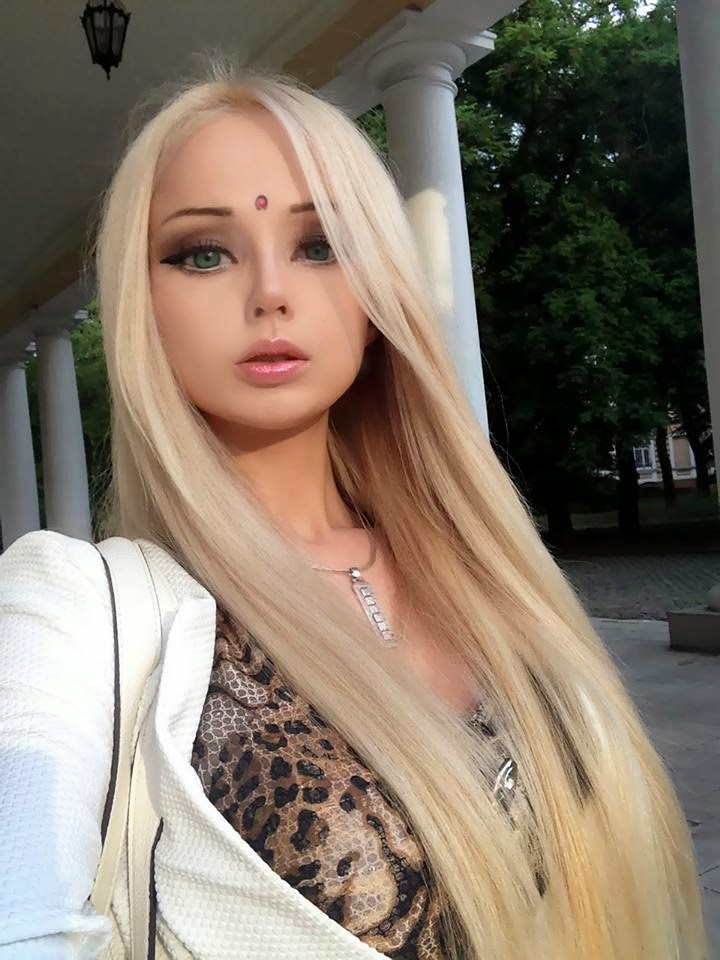 Barbie Girl Doll Wallpaper Valeria Lukyanova Gallery Photos Videos