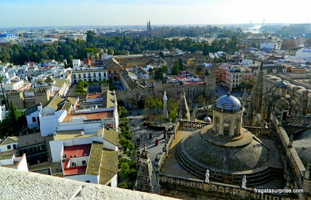 Sevilha, Andaluzia: Praça do Triunfo vista do alto da Torre da Giralda