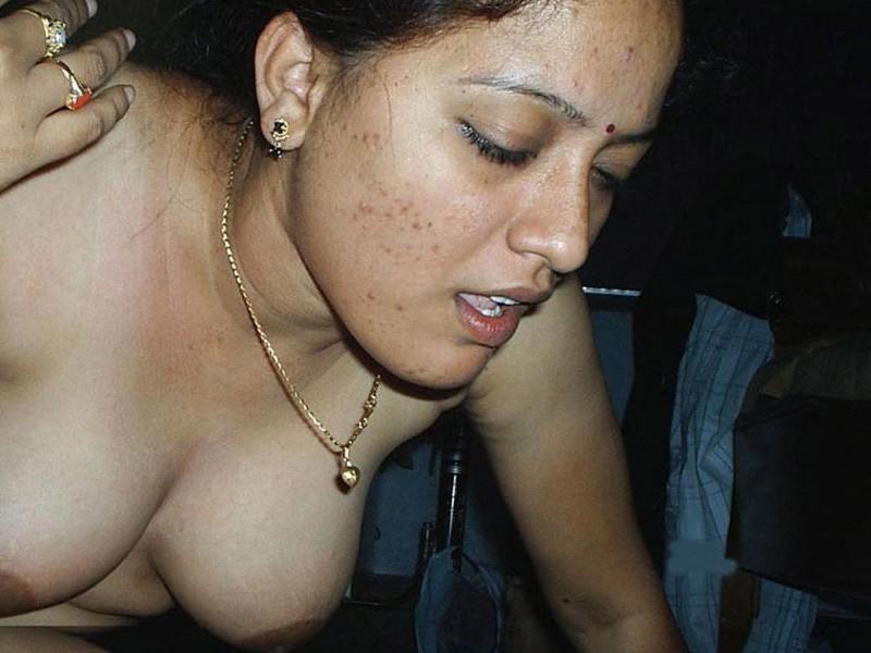 Midget pussy big dildo