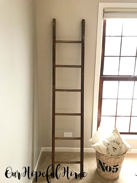 empty vintage ladder decor upcycle