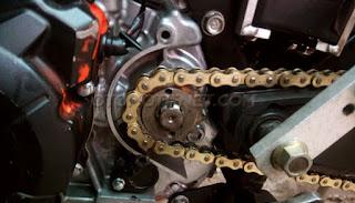 hal yang wajib menjadi perhatian saat mengganti rantai sepeda motor