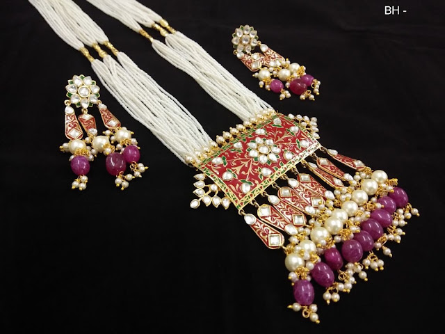 Stylish and elegant jewelry never go out of fashion
