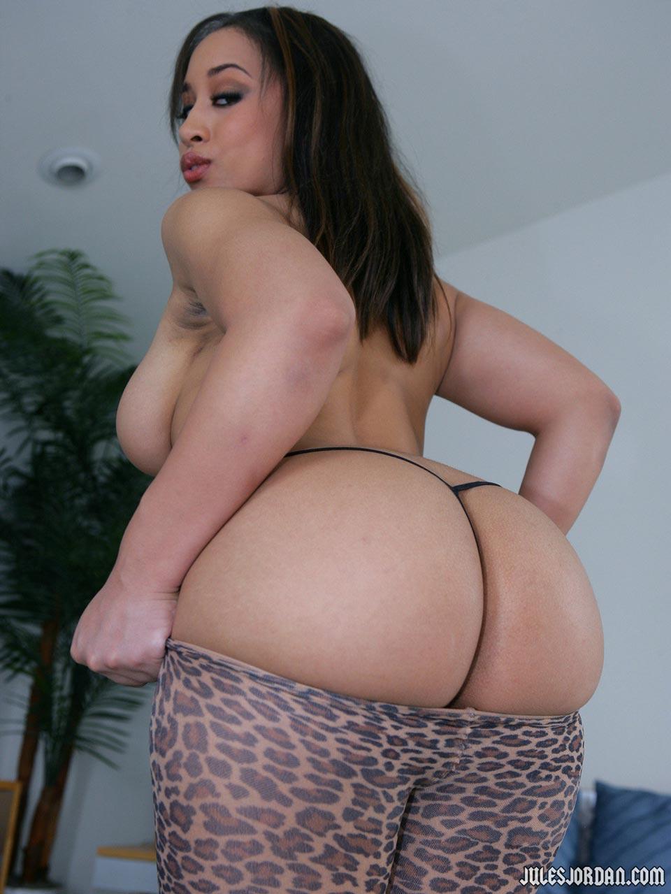 Aurora Jolie Naked