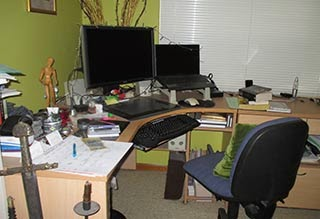 Does A Tidy Desk Mean Mind