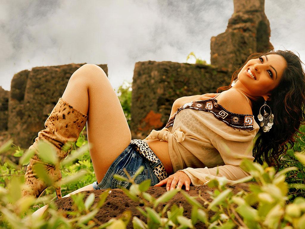 Bollywood Model Bidita Bag Hot and Sexy Images - Sab Ka Mann