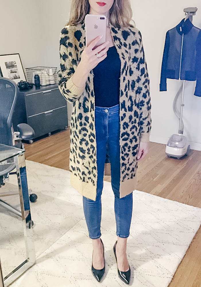 leopard cardigan, skinny jeans, black pumps, winter outfit