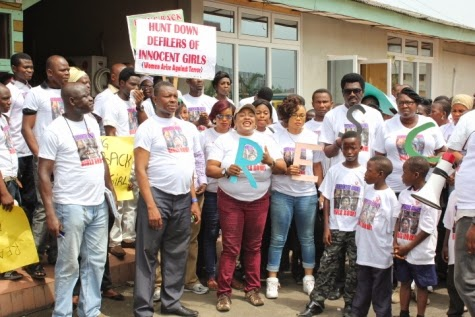 12 Femi Kuti, Jide Kosoko, Odumakin join women protesters in Lagos