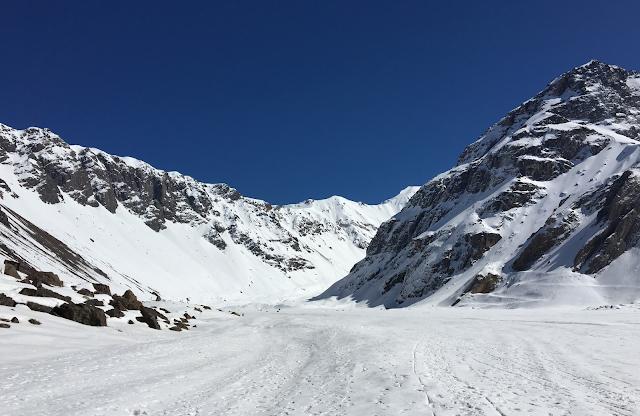 Camino al Glaciar El Morado