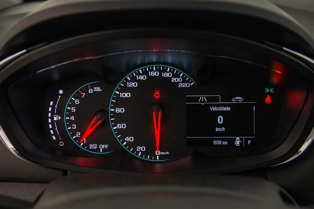 Novo Chevrolet Tracker 2017 - interior painel