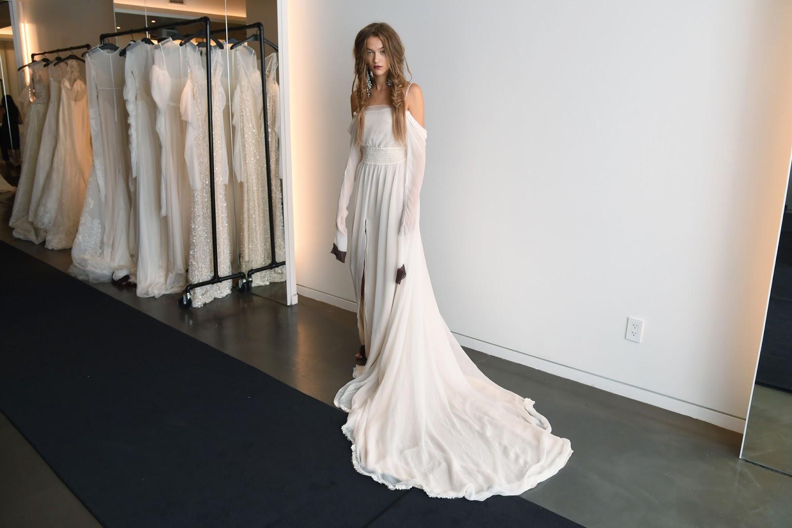Vera wang wedding dresses 2017 for Wedding dresses by vera wang 2017