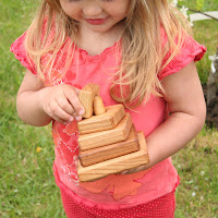 Lotes Toys Wooden Mini Stacking Cubes (PY21)
