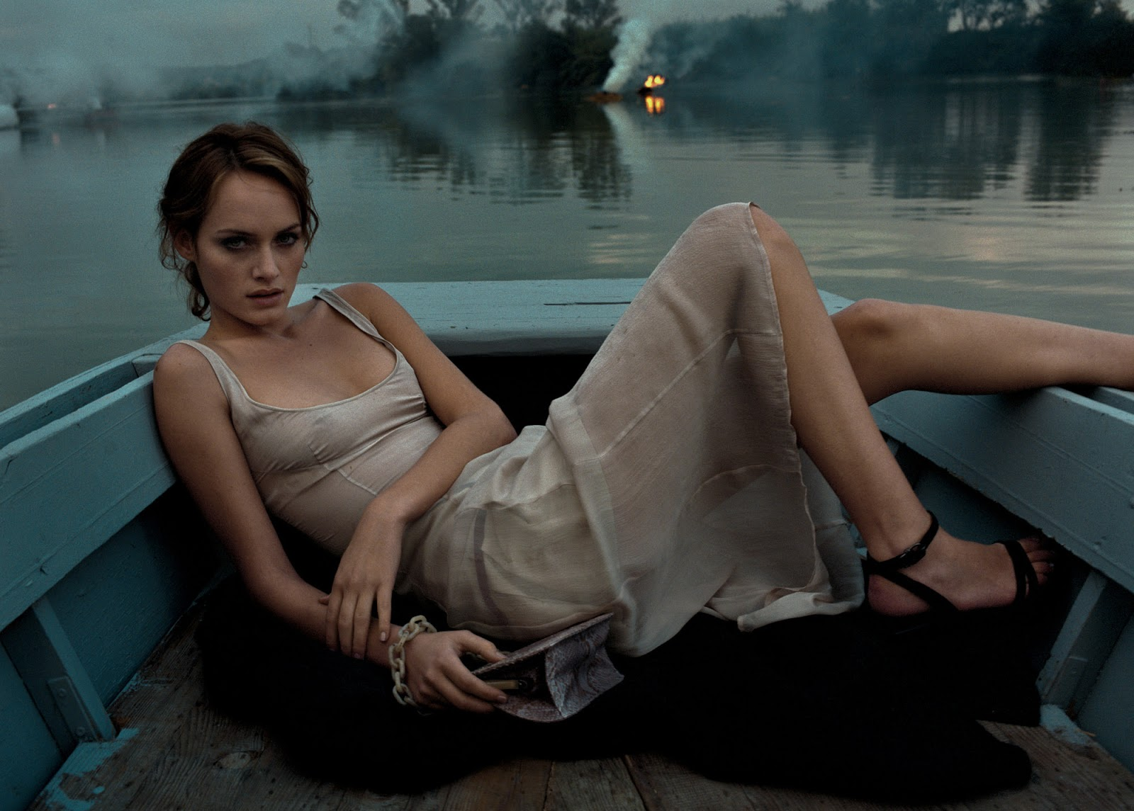 Actress and Celebrity Pictures: Amber Valletta