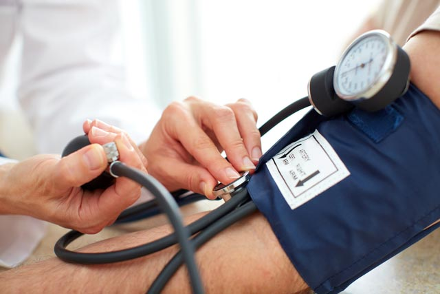 أسباب ارتفاع ضغط الدم وأهم أعراضه وطرق العلاج
