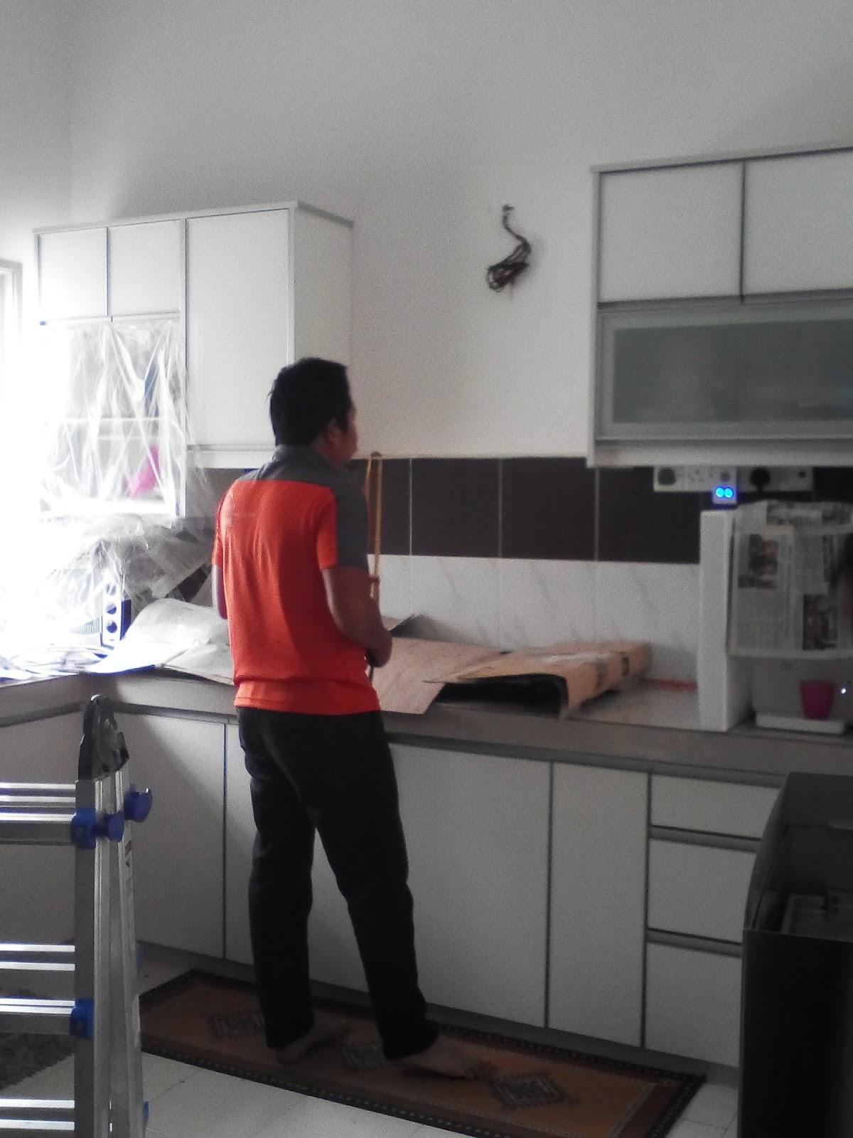 Datang Rumah Kita Untuk Survey Dapur Tengok Macam Mana Design Nak Pasang Semua Lepas Tu Baru Orang Yang In Charge Bahagian Installation Ni