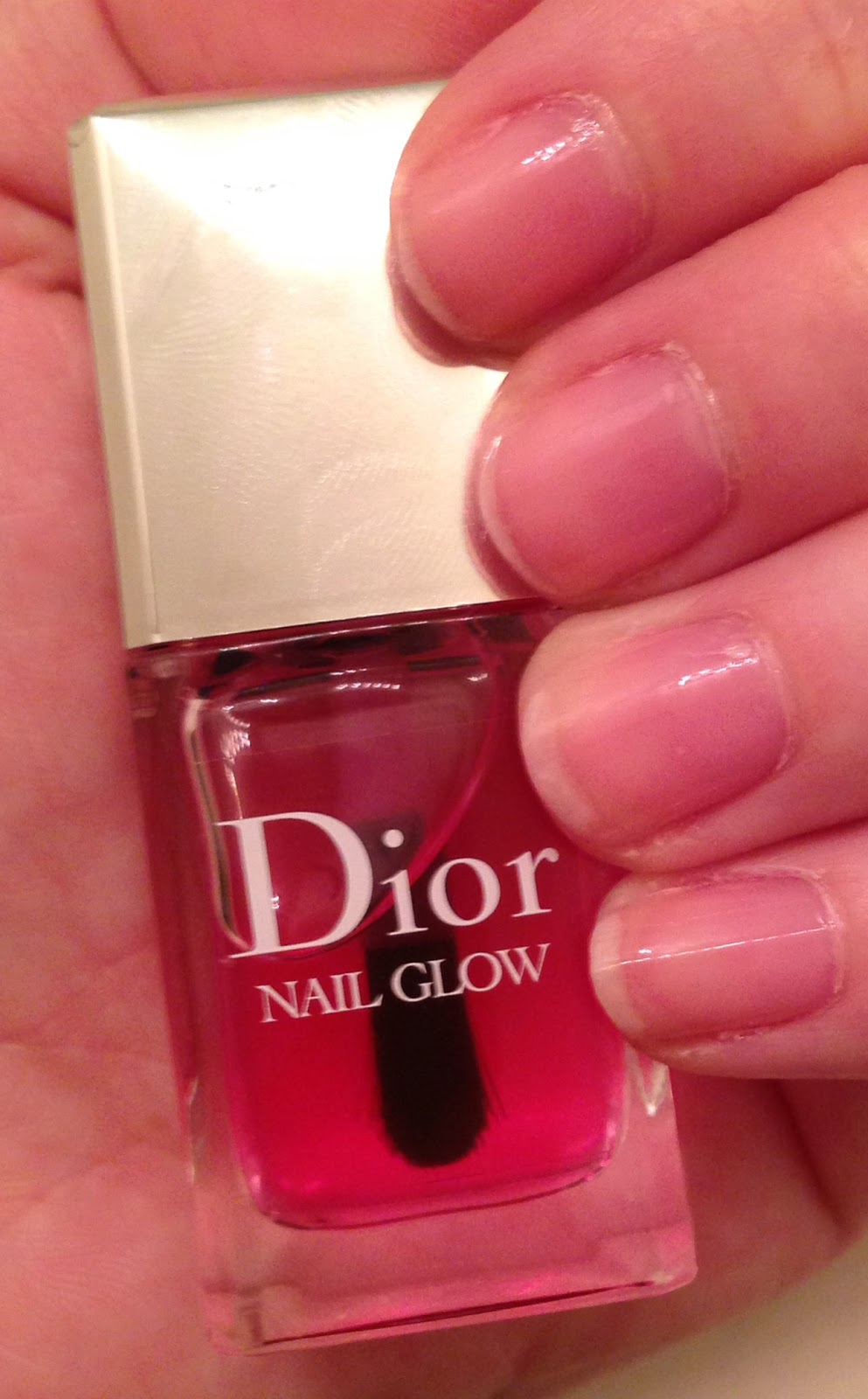 The Beauty of Life  Glow On  Dior Nail Glow 0d28f4e39a7