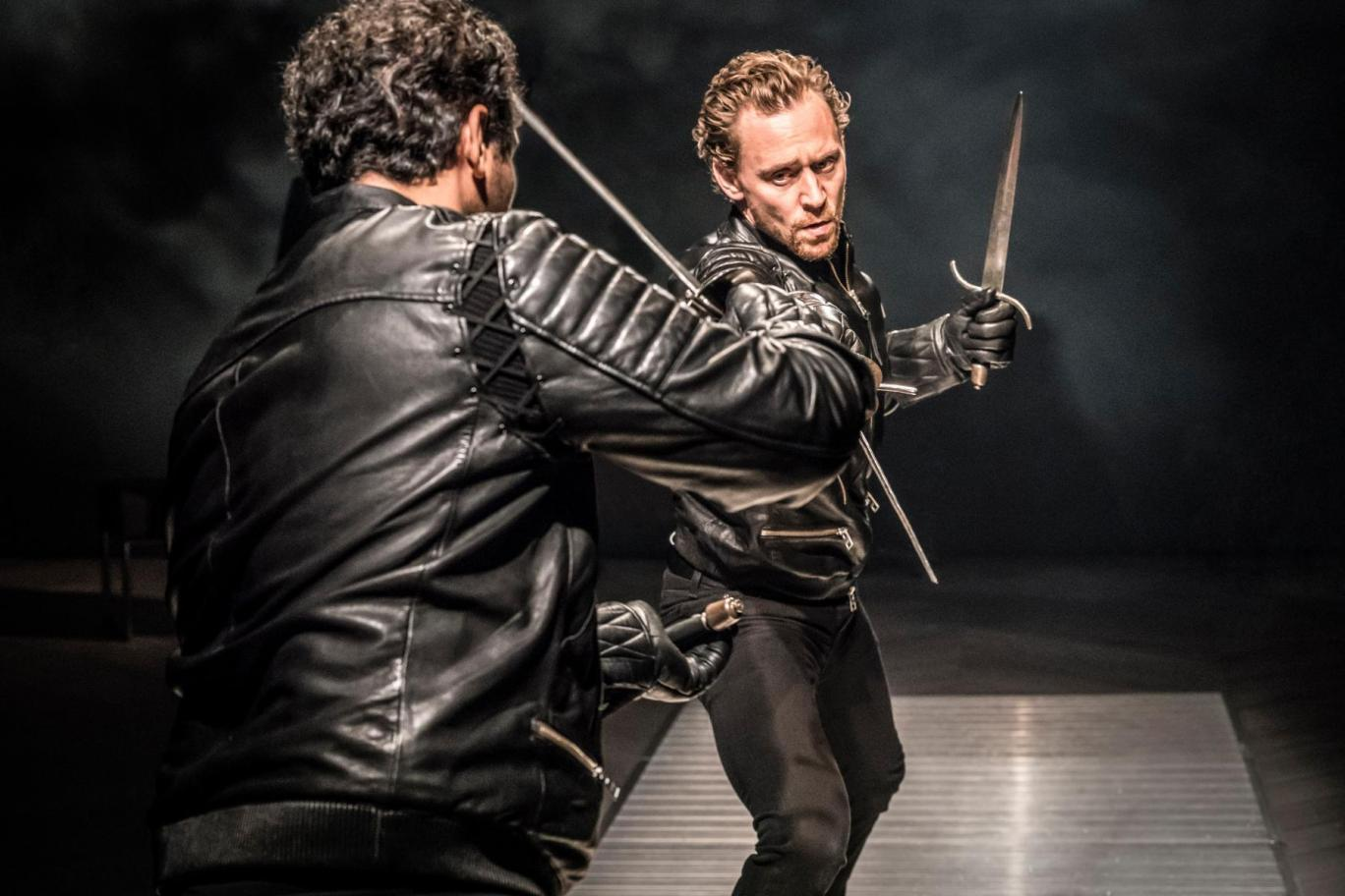 claudius in hamlet by shakespeare Scene iii a room in the castle / enter king claudius, rosencrantz, and guildenstern / king claudius / i like him not, nor stands it safe with us / to let his madness range.