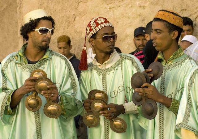 Marokańska muzyka Gnawa. Krakeb