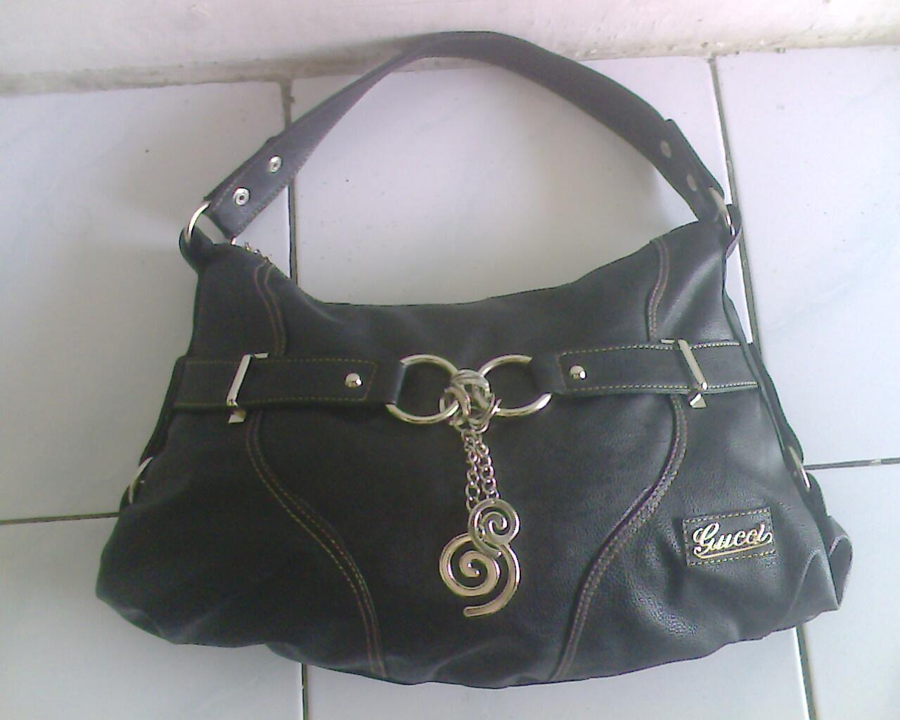 ragamuffin-child  Harga tas wanita branded merk guess kw super warna hitam  terbaru 7b38cbf46d