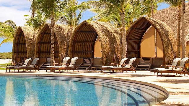 Swimming Pool at Four seasons resort bora bora
