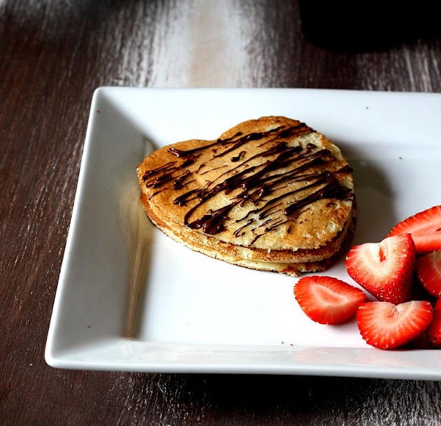 http://cookingwithlena.blogspot.com/2014/07/classic-buttermilk-pancakes_21.html