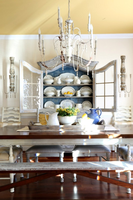 Savvy Southern Style : The Dining Room Sconces