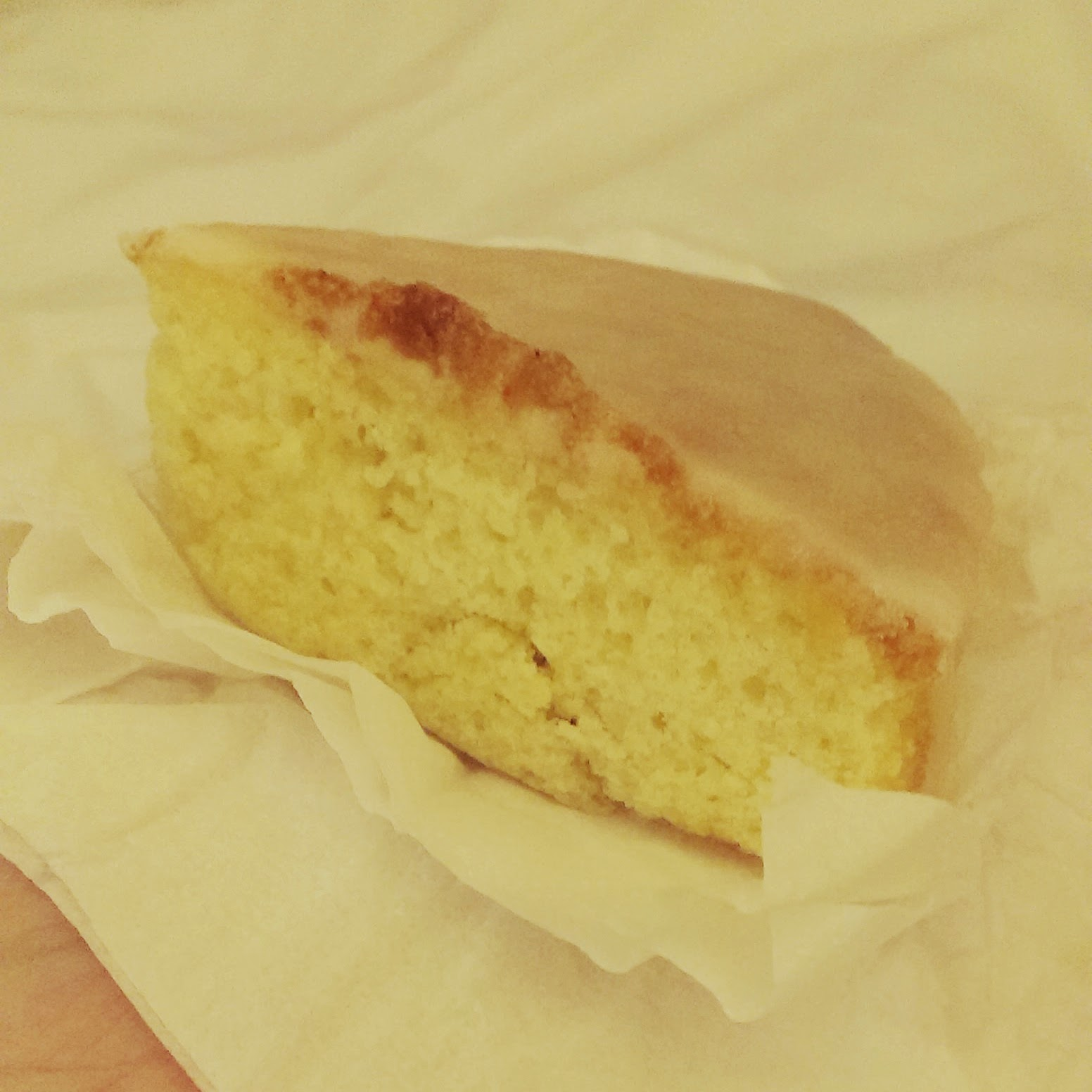 10pm - lemon drizzle cake