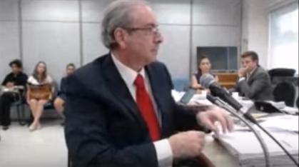 """No primeiro depoimento de Cunha ao juiz Sérgio Moro, desde a sua prisão em outubro do ano passado, ele declarou que Temer participou sim, em 2007, de uma reunião com a bancada do PMDB para discutir as indicações do partido para diretorias da Petrobras. Temer negou a Moro a existência da reunião em depoimento por escrito como testemunha de defesa de Cunha: """"não houve essa reunião"""". Cunha disse que """"a resposta de Michel Temer nas perguntas está equivocada""""."""