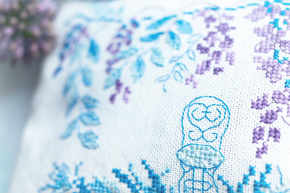 Veronique Enginger, Dans mon jardin, Sous la tonnelle, Creation Point de Croix, вышивка крестом, французский дизайн вышивки