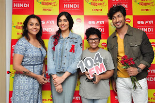Vidyut Jamwal Adah Sharma Commando 2 Movie Team at Radio Mirchi 95  0035.jpg