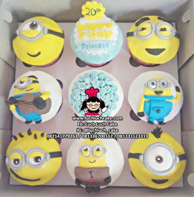 Cupcake Ulang Tahun Tema Minion 2d